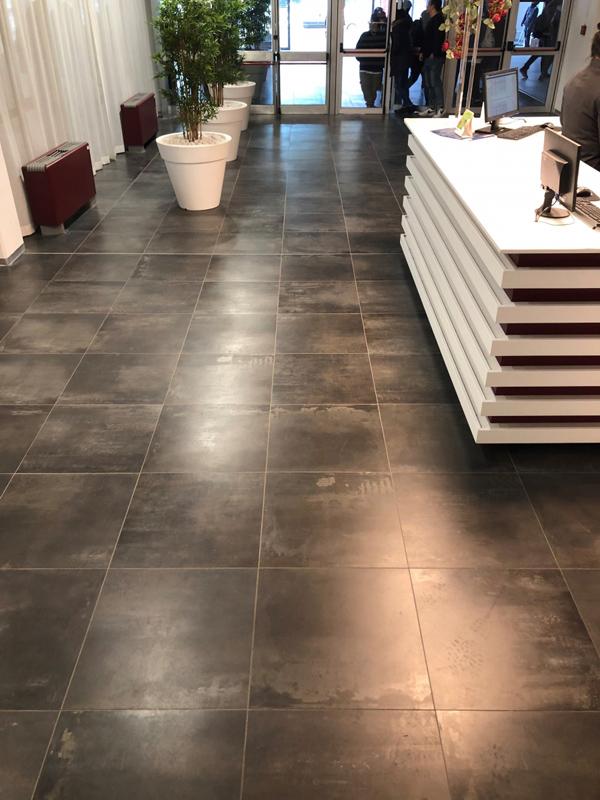 Floor: Interno 9 Dark 60x60