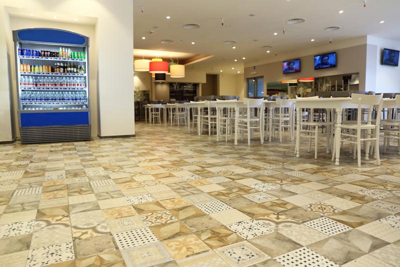Floor: Unika Freedom 60x60