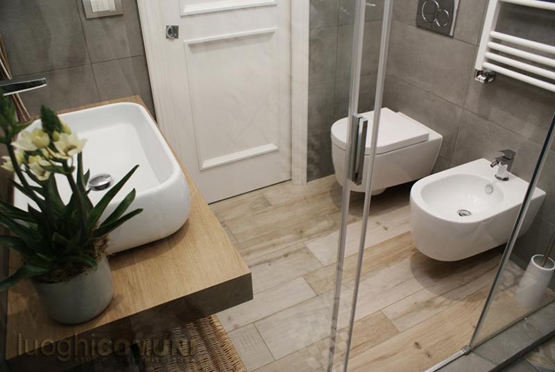 Floor: Soleras Avana 20x80.